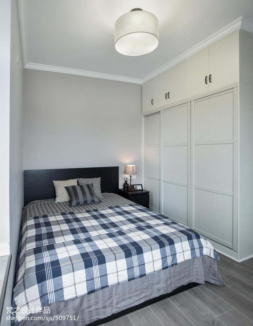 现代风格小户型卧室布置