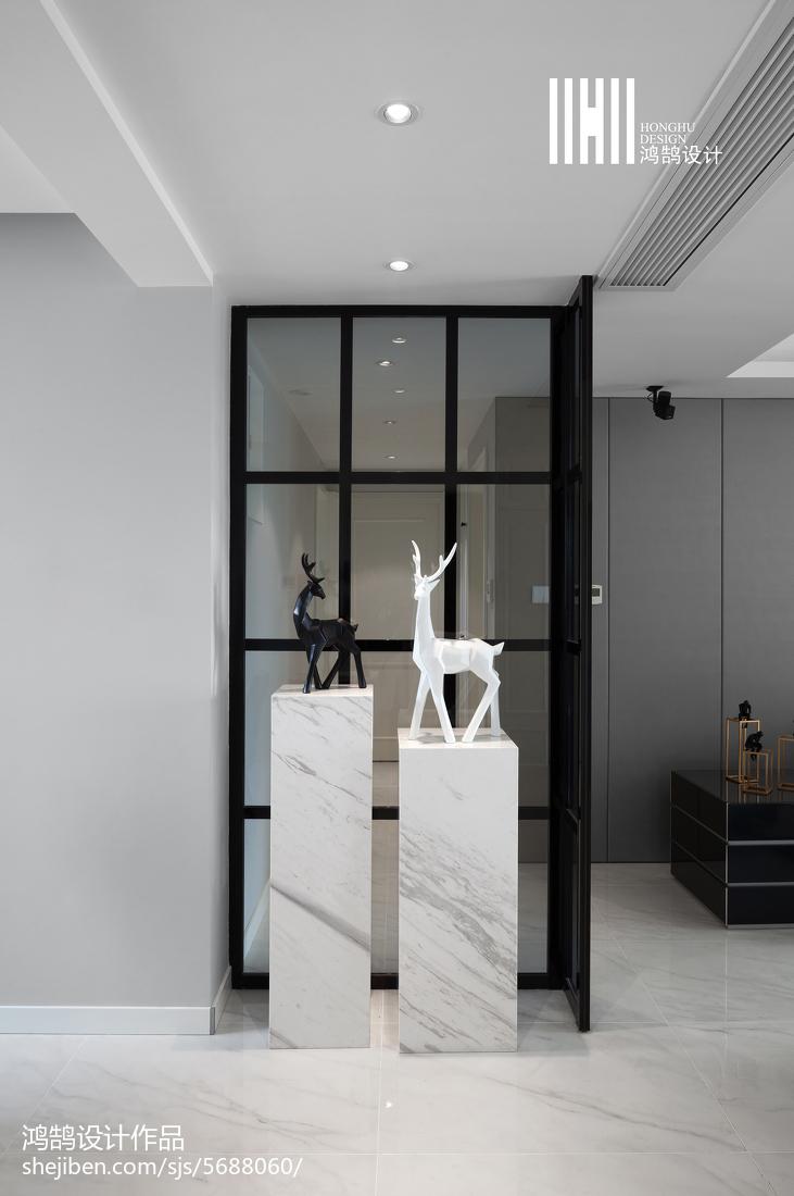 面积102平现代三居玄关装修图片欣赏