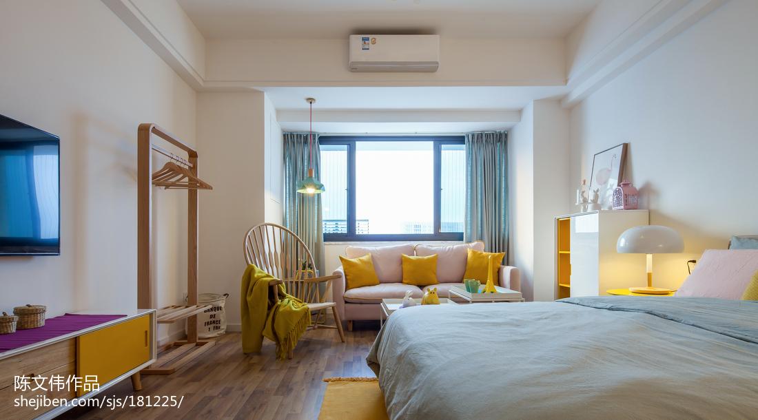 热门面积72平小户型卧室北欧装修实景图