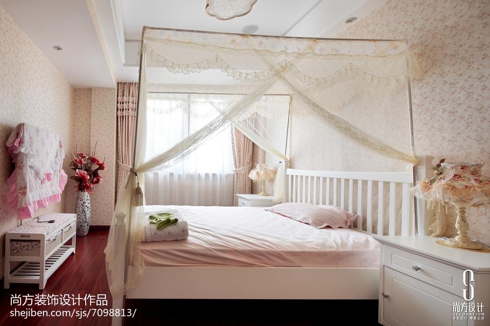 2018137平米中式别墅卧室装饰图