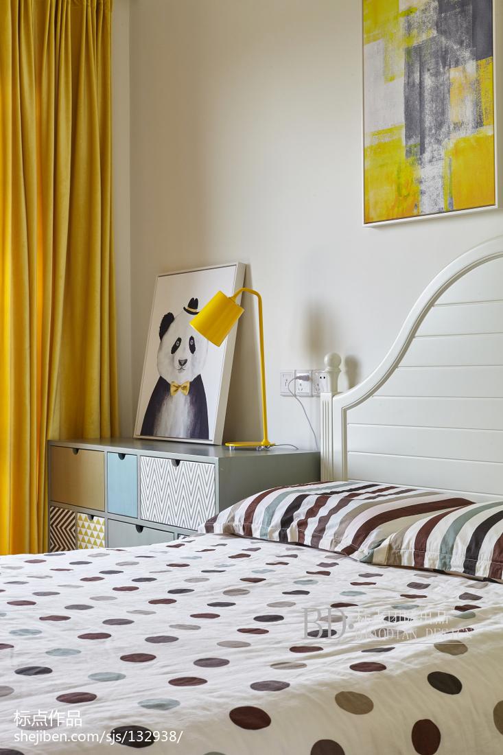 温馨102平北欧四居卧室装饰美图