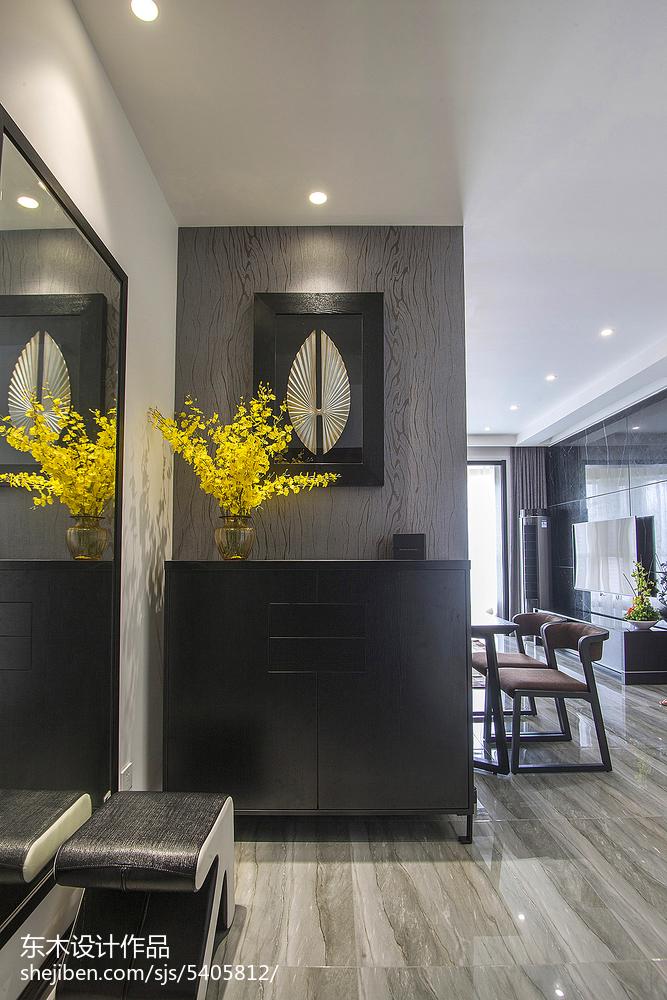 现代风格二居室玄关装修