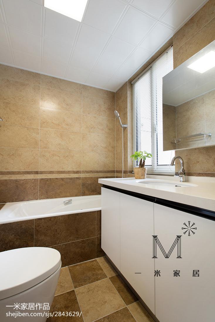 现代风格三居室卫浴装修