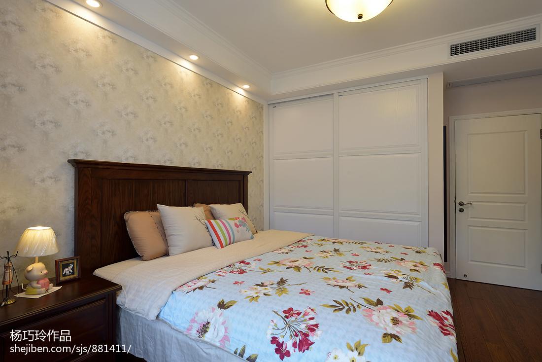热门美式二居卧室装修设计效果图片