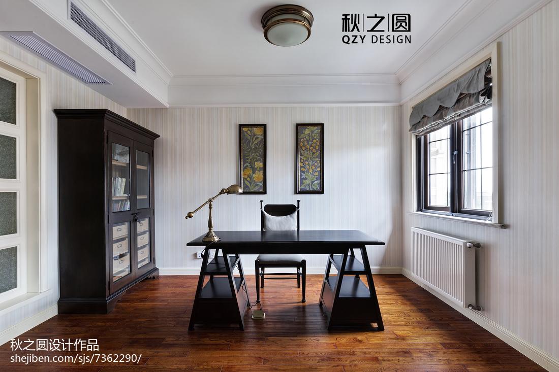 124平米美式别墅书房装饰图