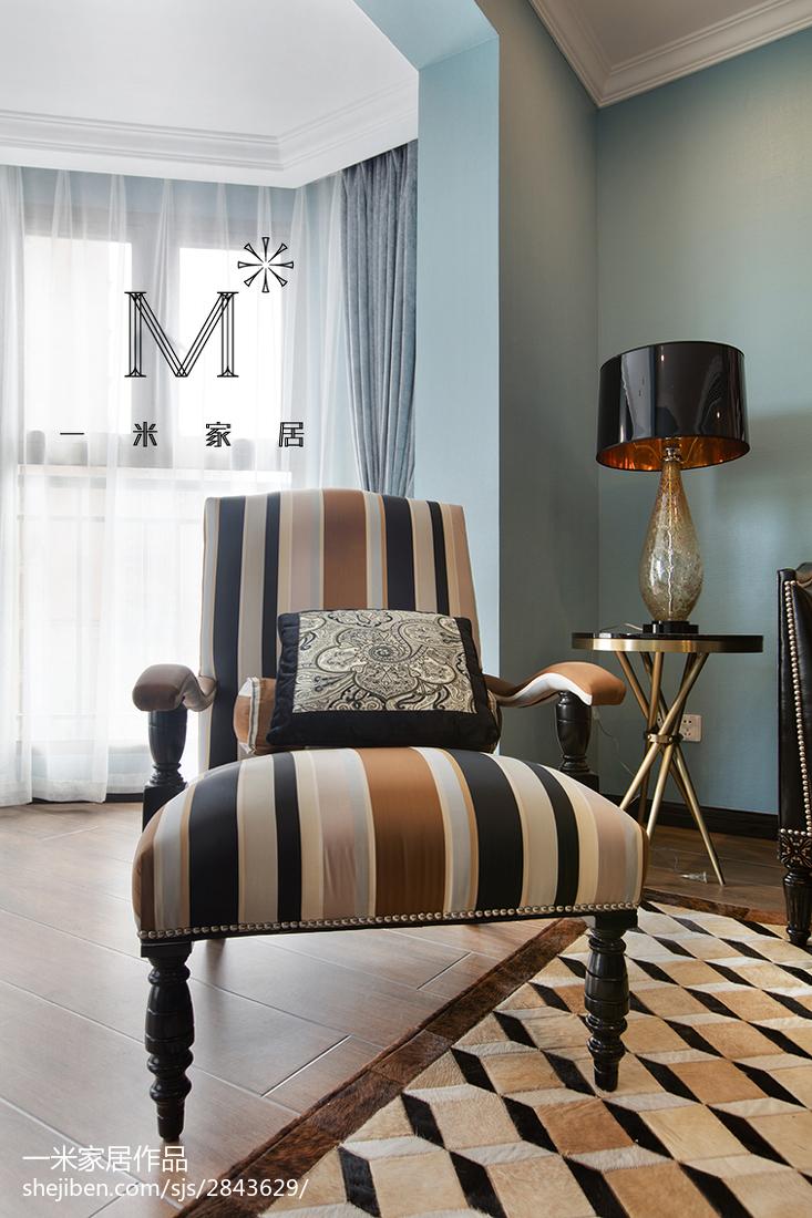 典雅61平现代二居客厅布置图