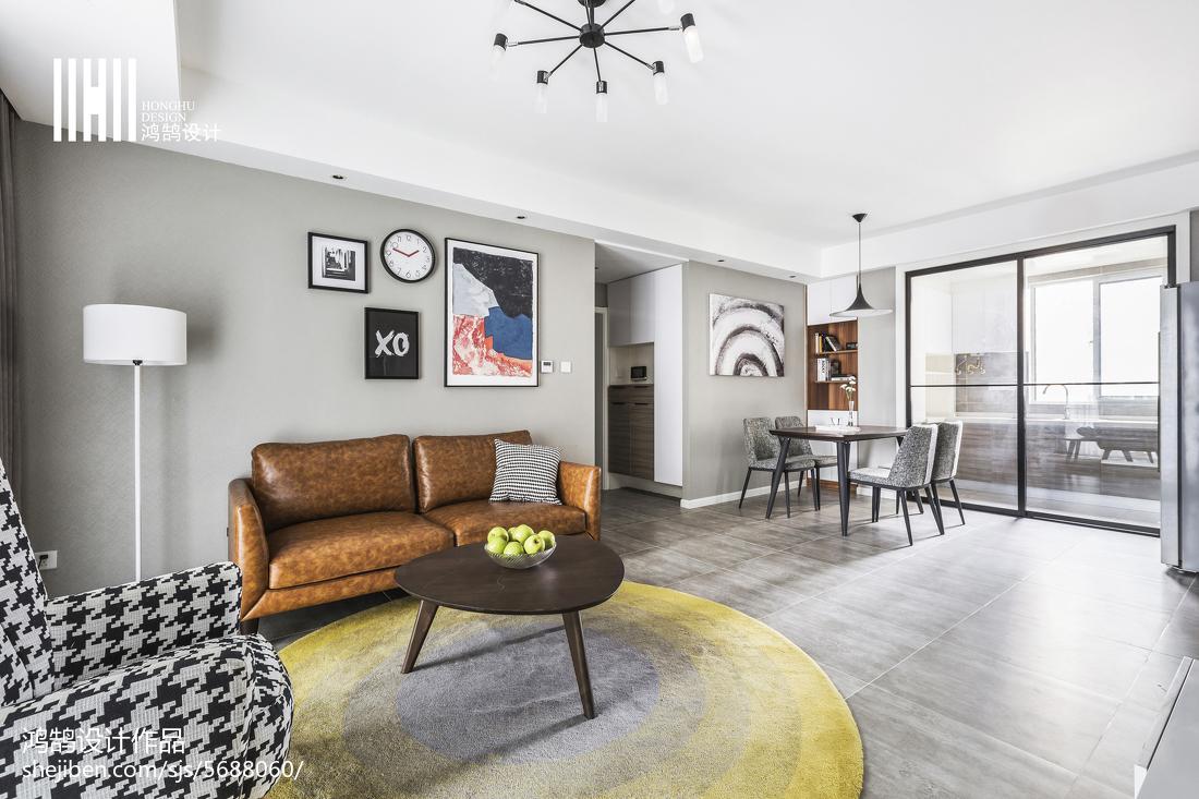 2018精选99平米三居客厅简约装修设计效果图片