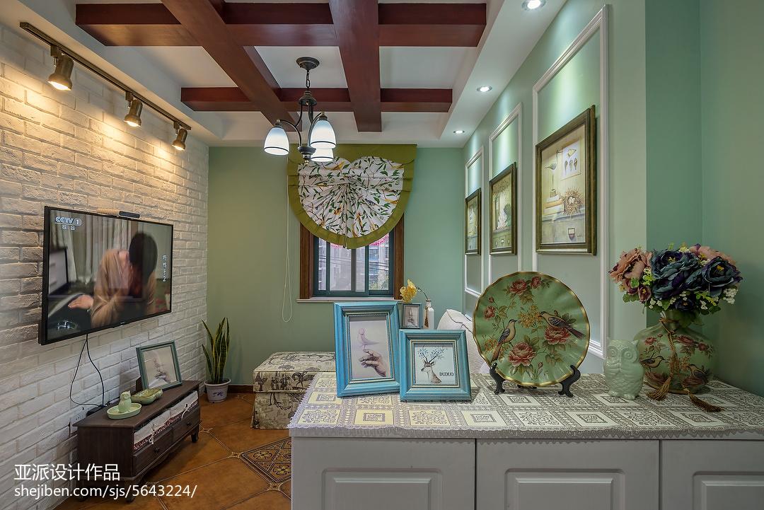 热门面积106平美式三居客厅装修设计效果图片
