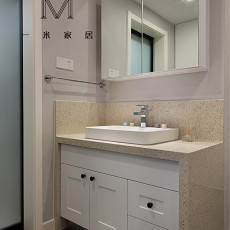 精选面积99平现代三居卫生间装修图片