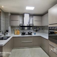 华丽70平现代三居厨房实景图