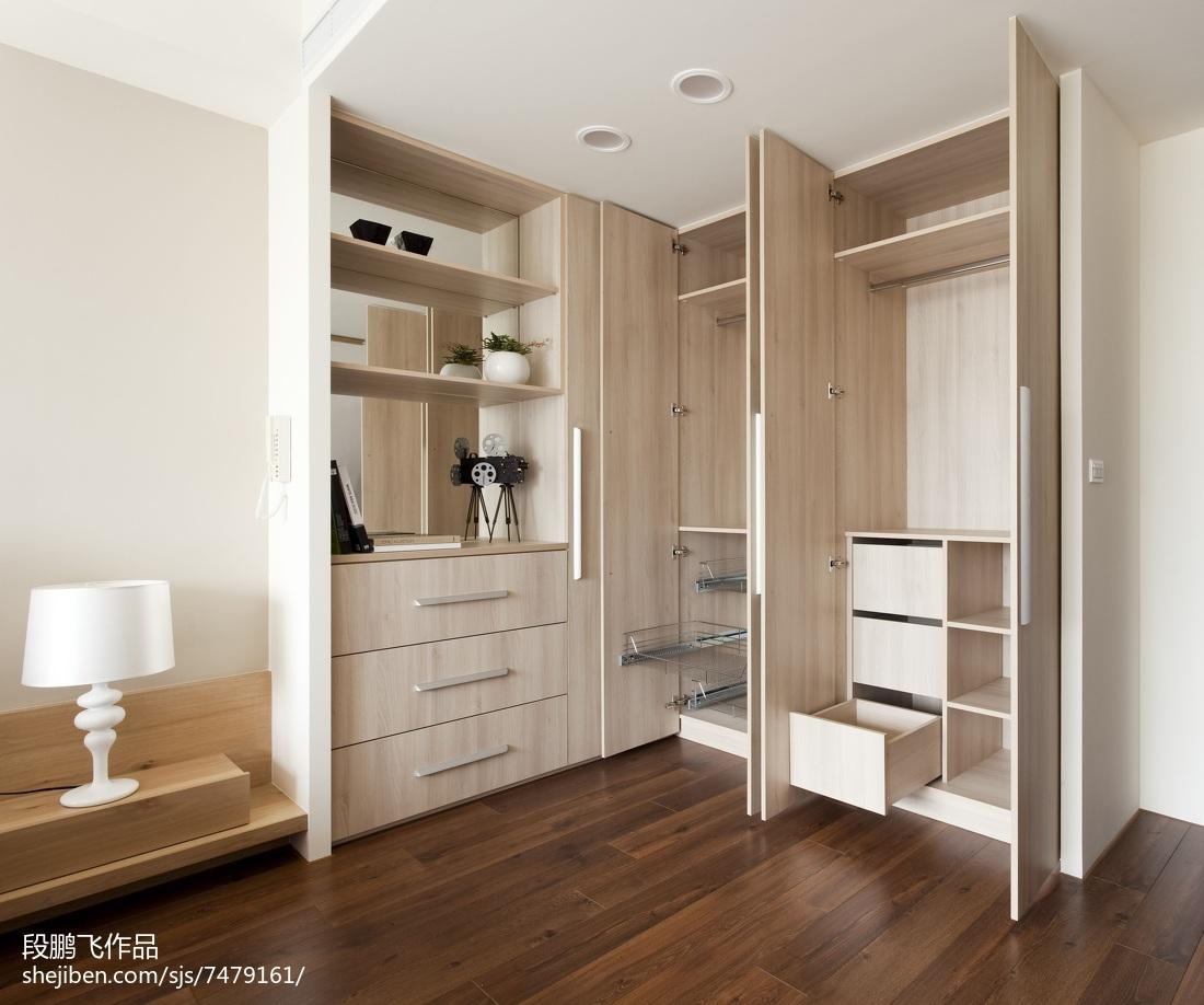 简约现代风格木质衣柜设计