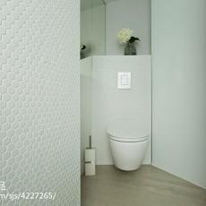 面积82平现代二居卫生间装修实景图片大全