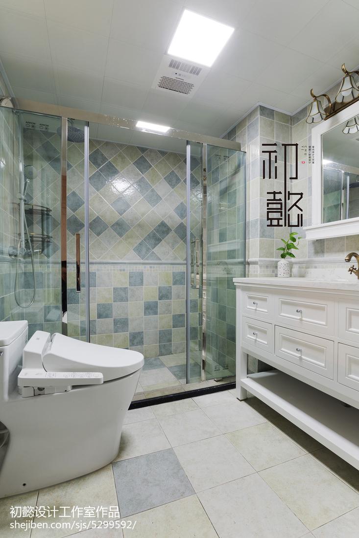 2018131平米四居卫生间美式装修欣赏图片