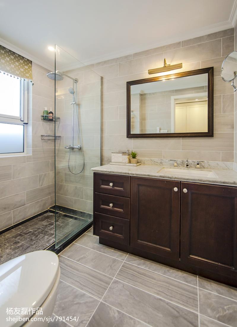 精选99平米三居卫生间美式装修图片