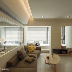 大小102平现代三居客厅装修图