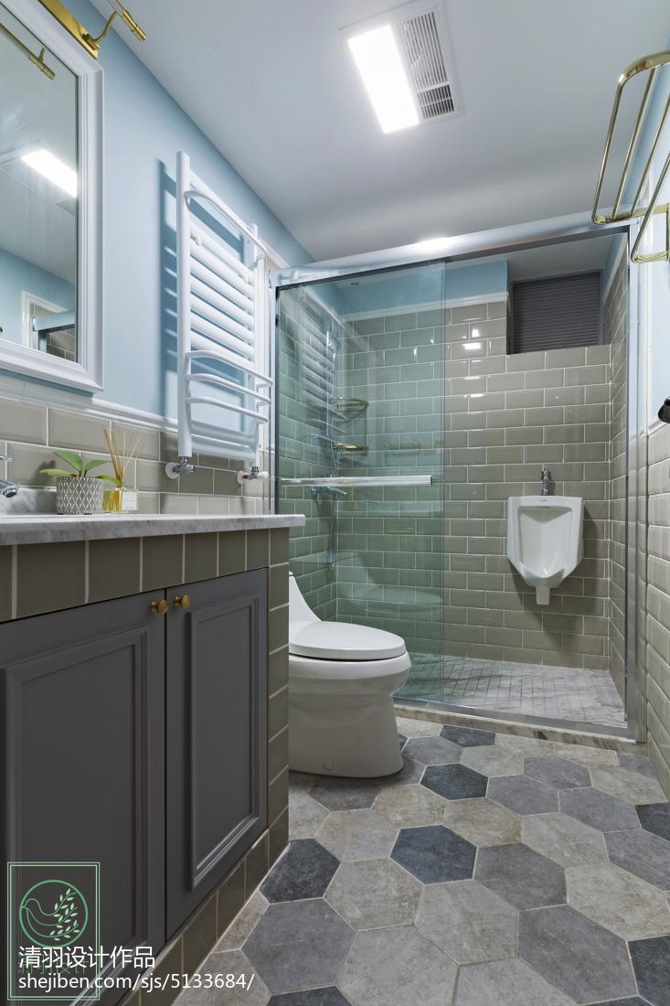 美式三居室卫浴设计案例
