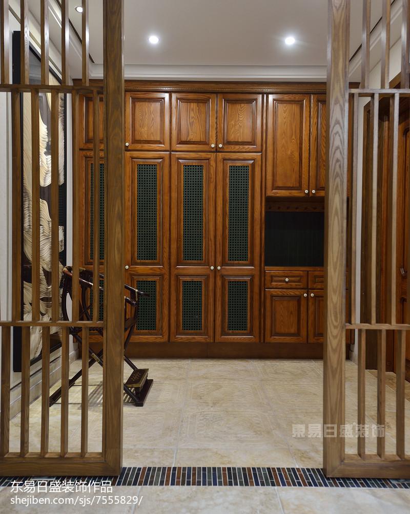 別墅新中式風格衣柜設計