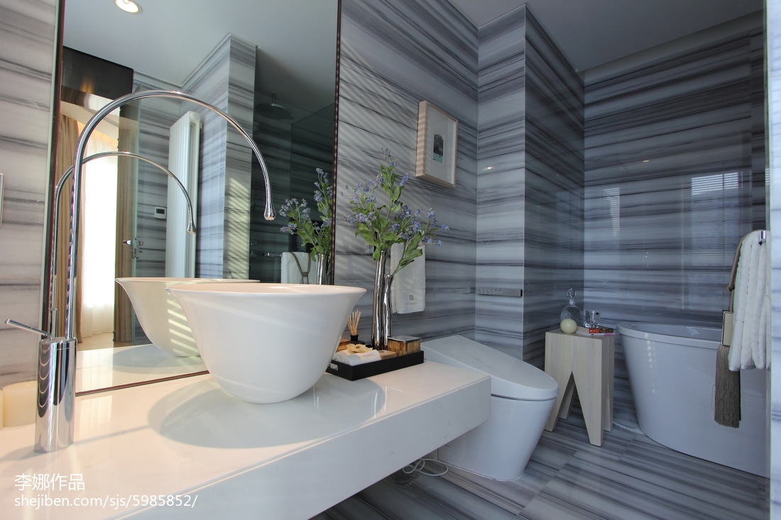 精选103平米三居卫生间现代装修设计效果图片
