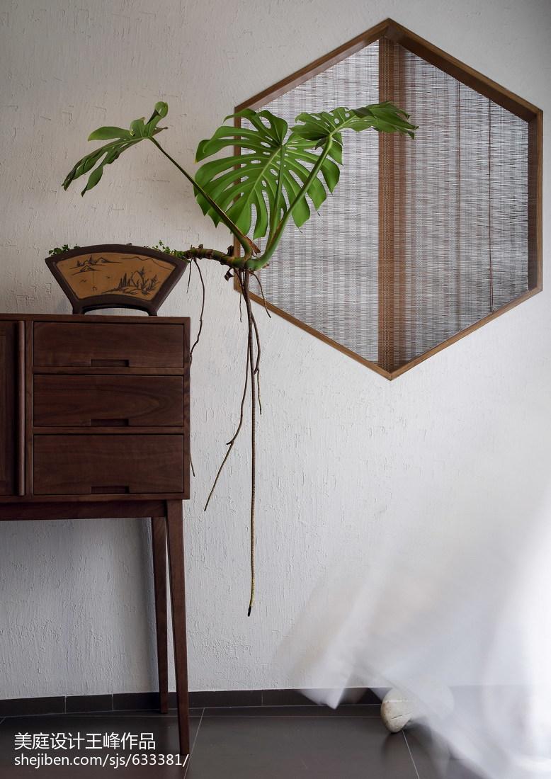 热门106平米三居玄关中式装修效果图片