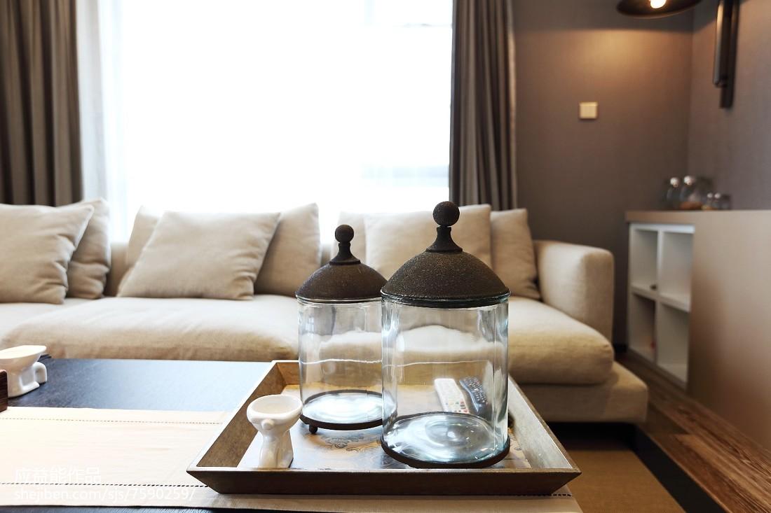 热门面积93平简欧三居客厅装饰图片
