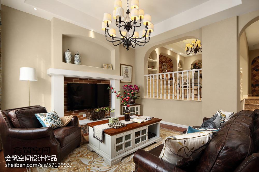 轻奢56平美式复式客厅装修图