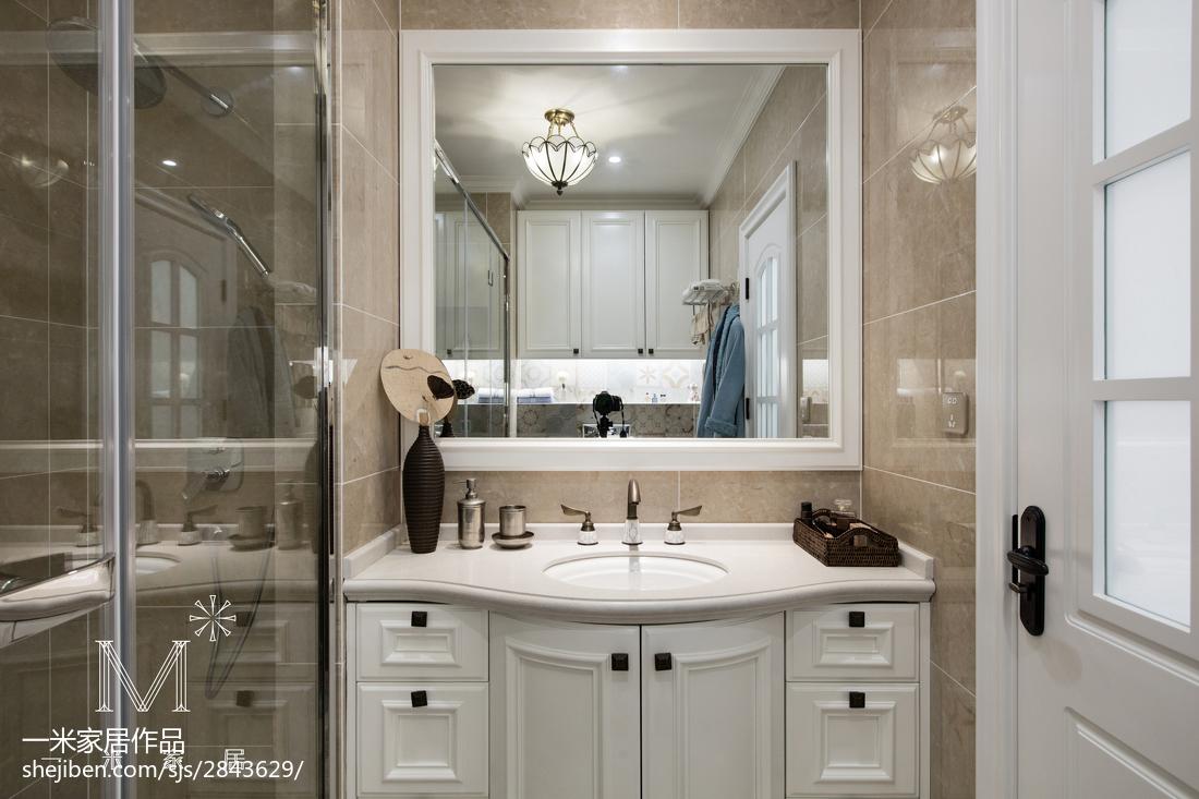 轻奢96平美式三居卫生间装饰图片
