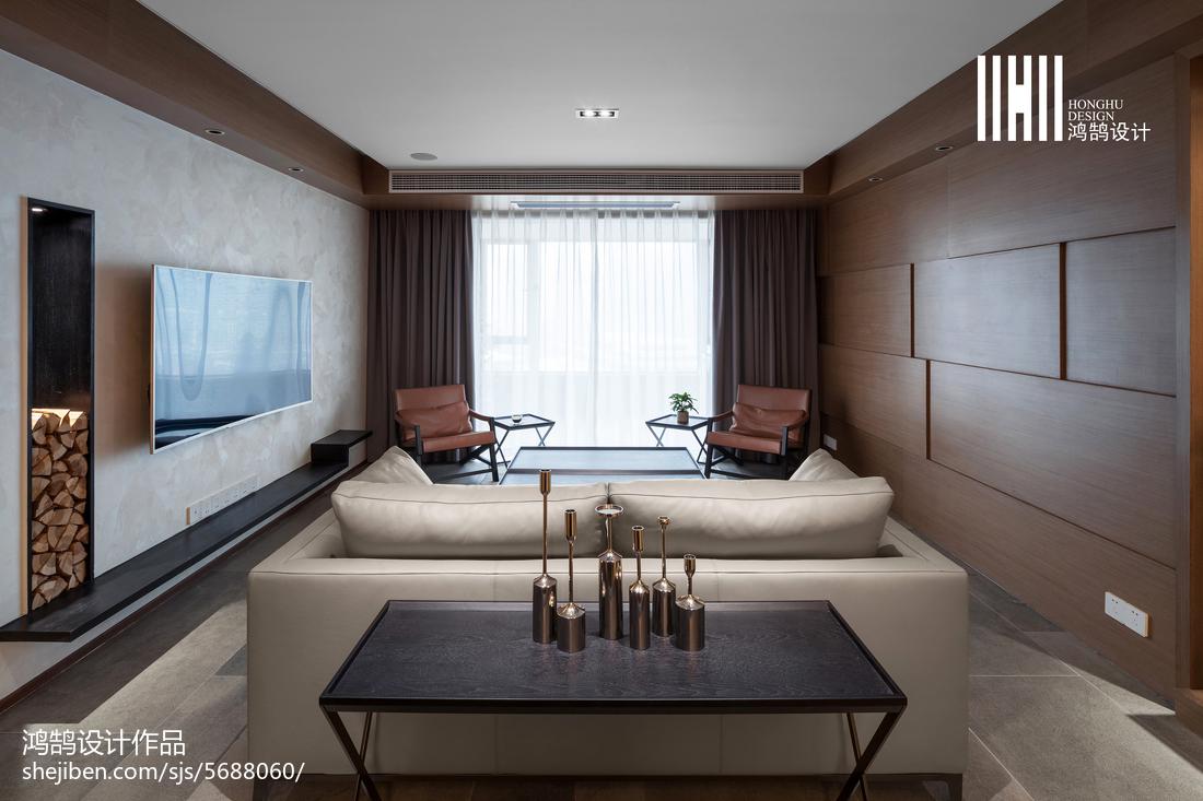 面积135平现代四居客厅装修实景图
