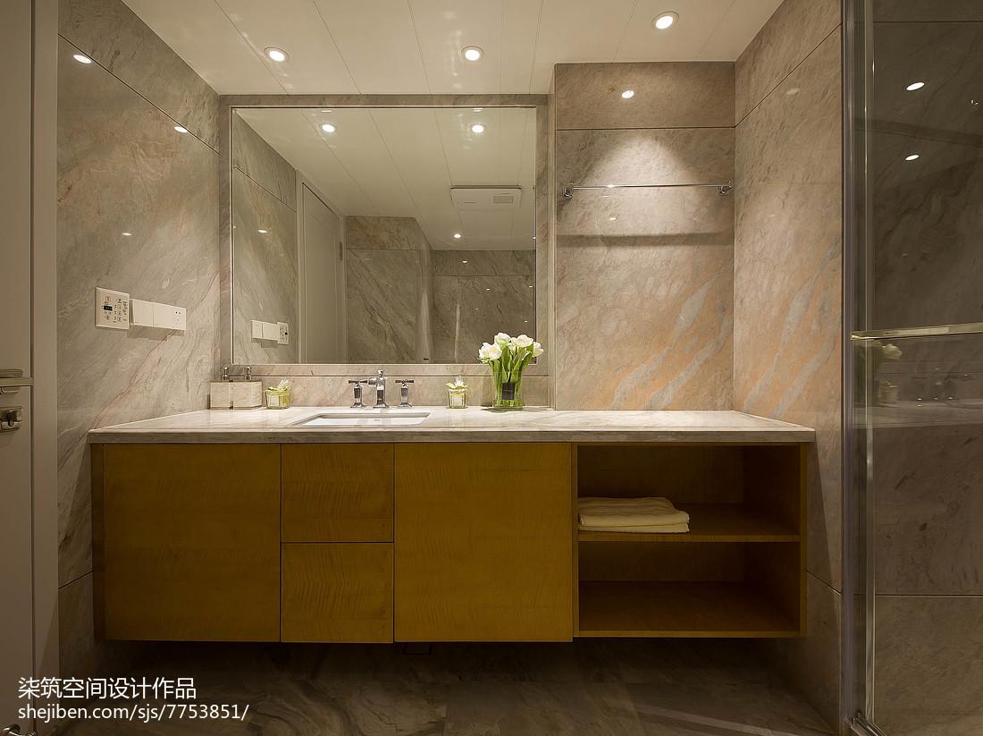 精美现代复式卫生间装修图片