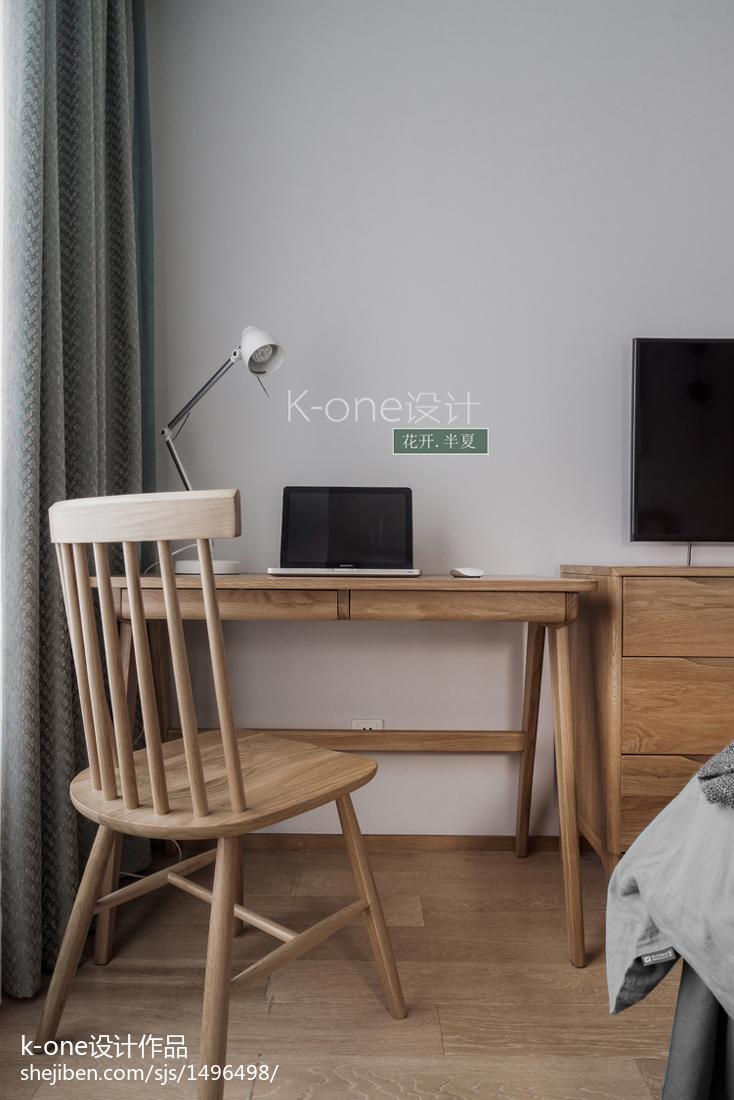 热门90平米三居卧室中式装修效果图片欣赏