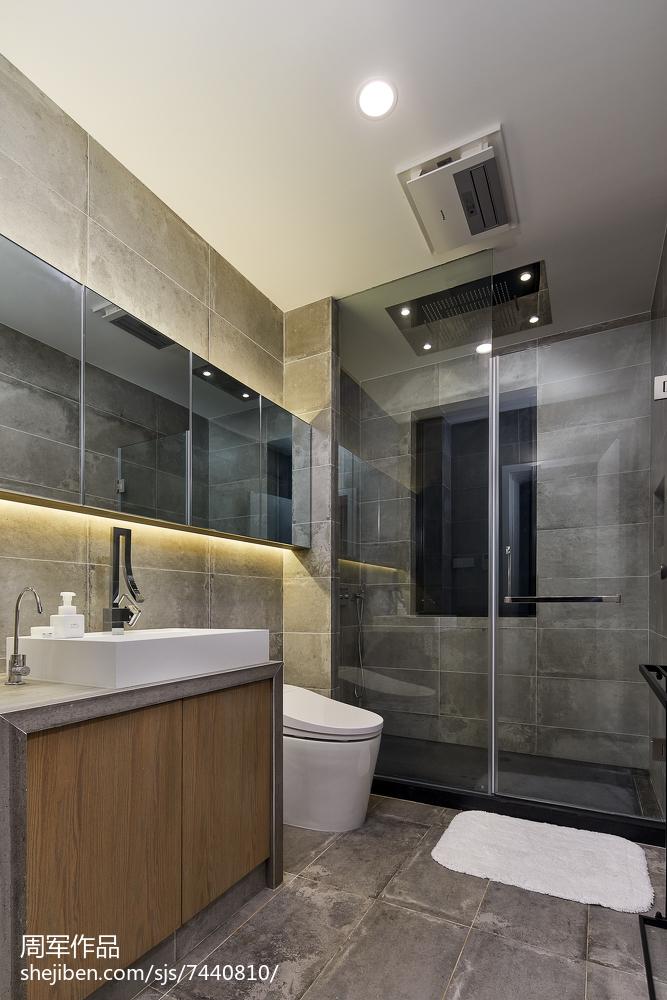精美现代别墅卫生间装修图
