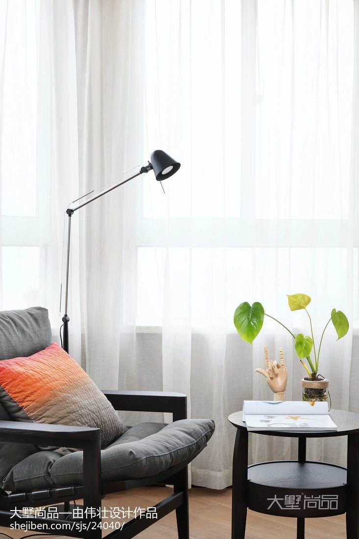 热门91平米三居卧室简约装修效果图