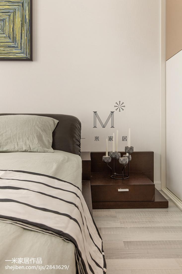 2018131平米现代复式卧室装修图片