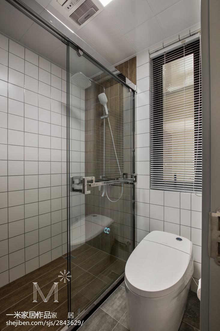 热门面积83平美式二居卫生间装修实景图片