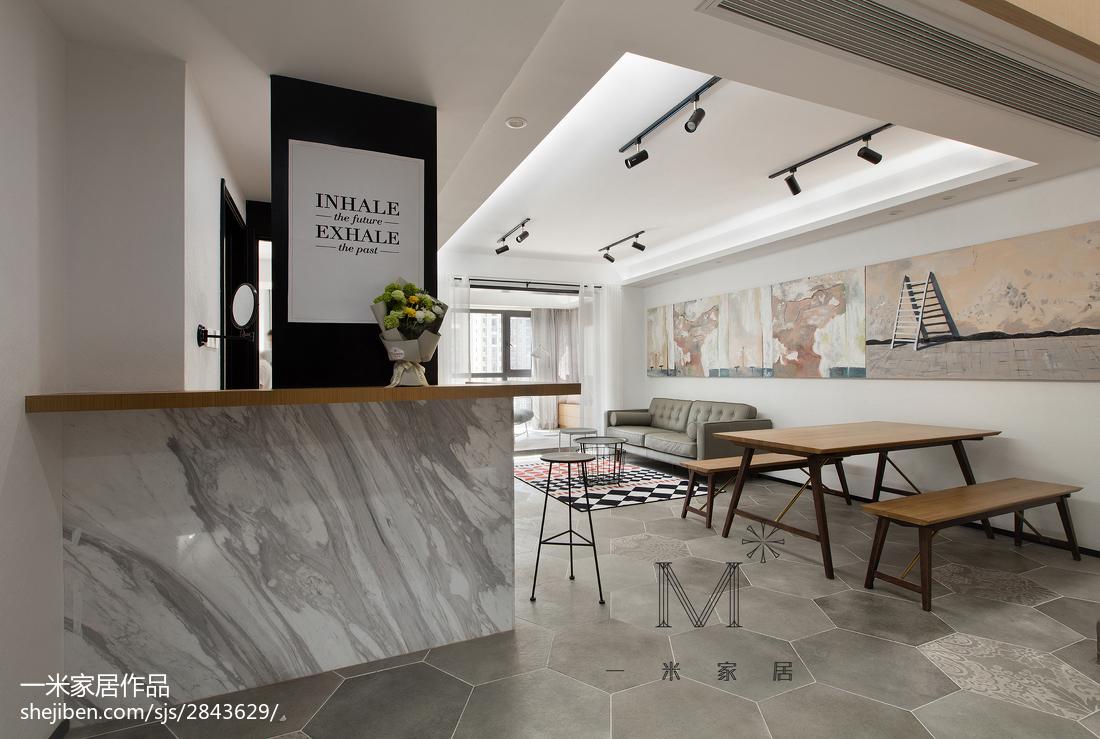 温馨170平现代三居餐厅装修设计图