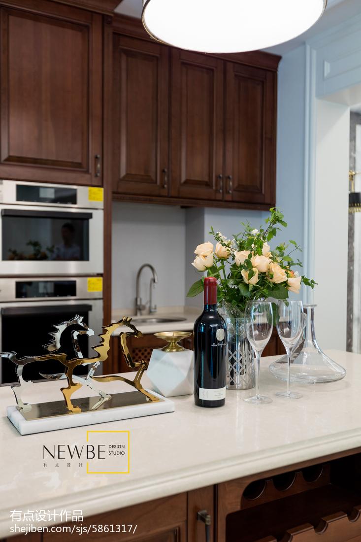 面积131平别墅厨房美式装饰图