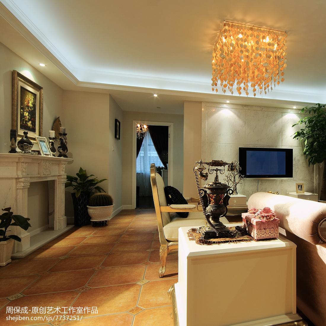精选109平米三居客厅简欧实景图片