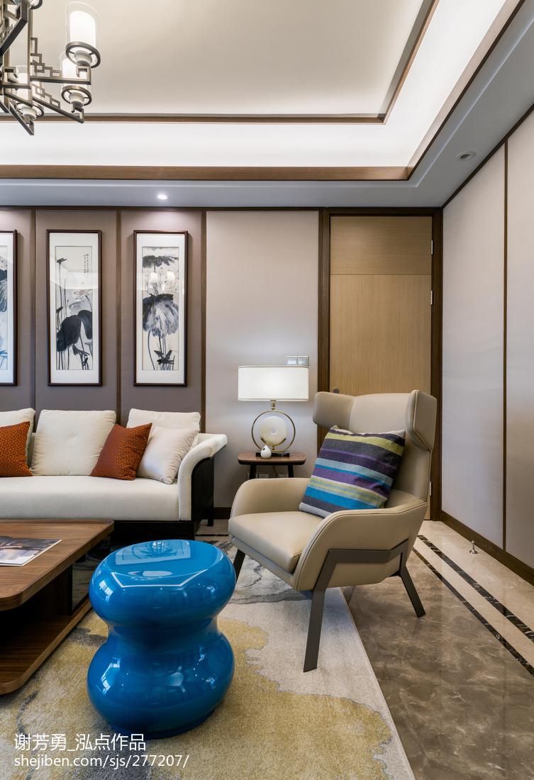 悠雅104平中式四居客厅装饰美图