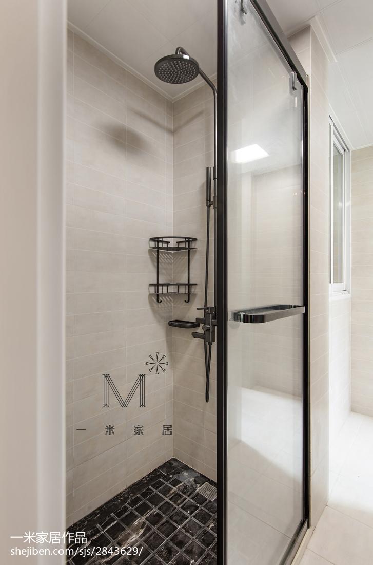 201894平米三居卫生间美式装修实景图片