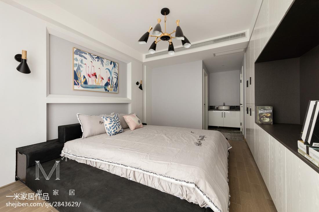 130m² 现代简约卧室设计图片