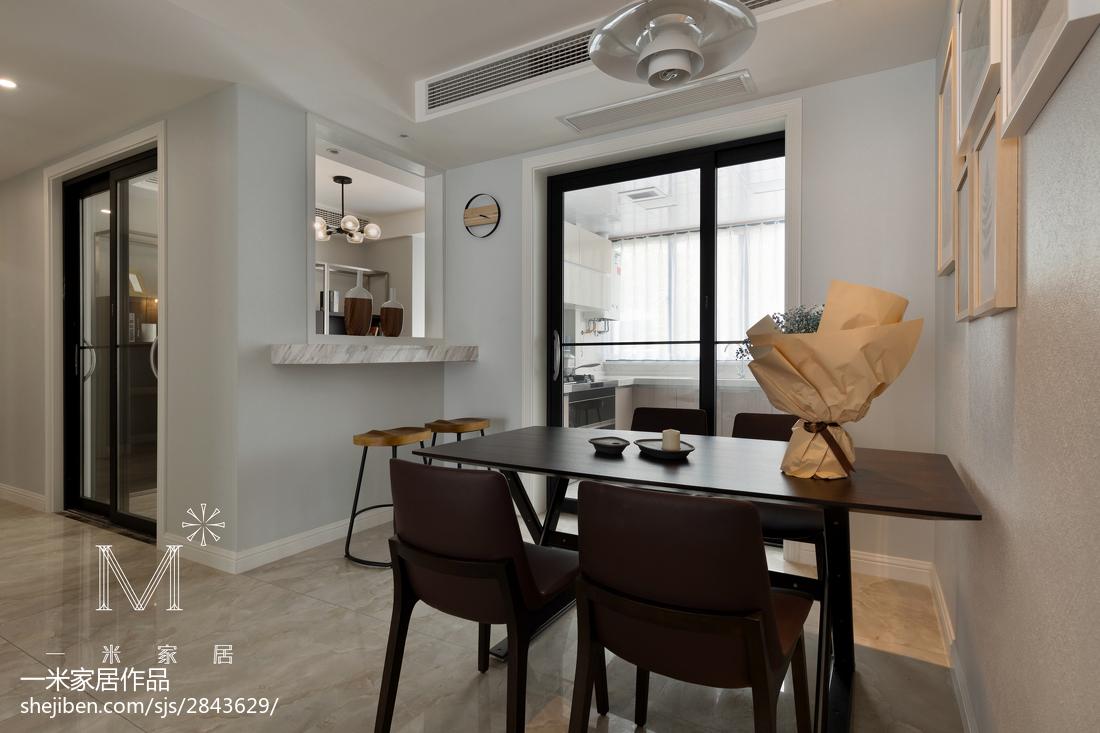 华丽101平现代三居餐厅装修图片