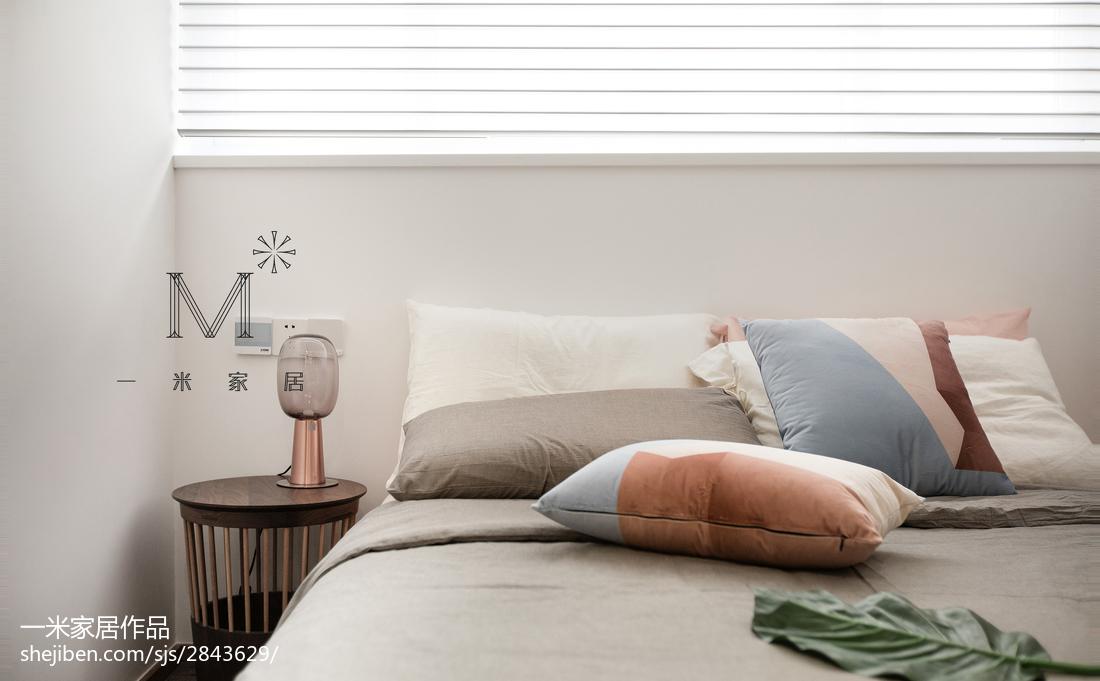 2018北欧复式卧室装修图片