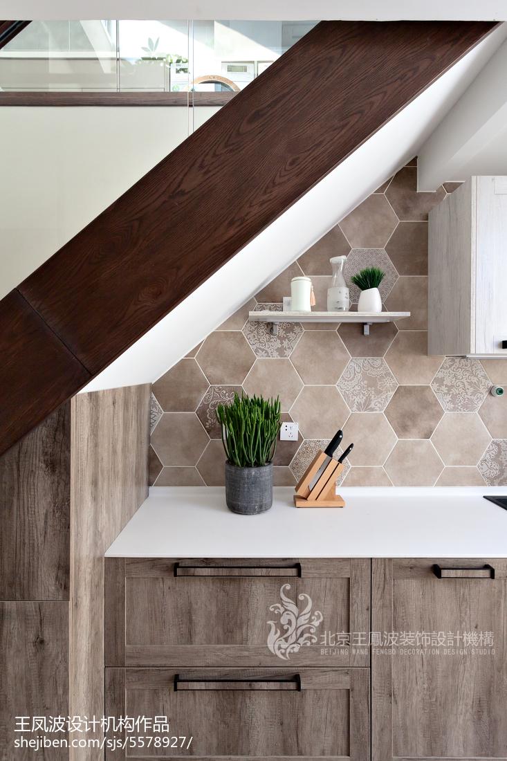 精选三居厨房现代设计效果图