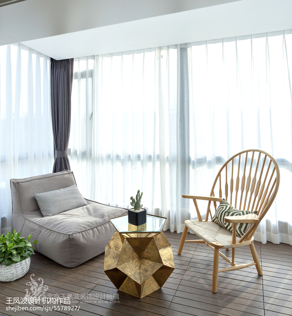 精选93平米三居阳台现代装修效果图片欣赏