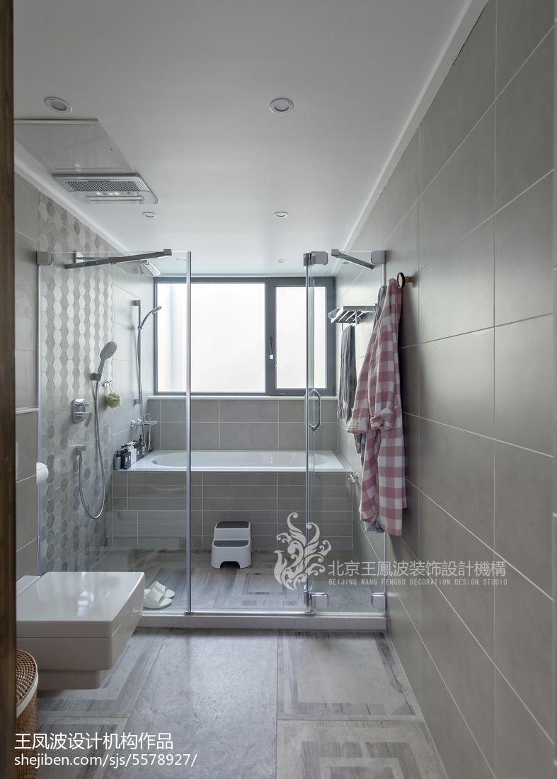 明亮72平现代三居卫生间装修装饰图