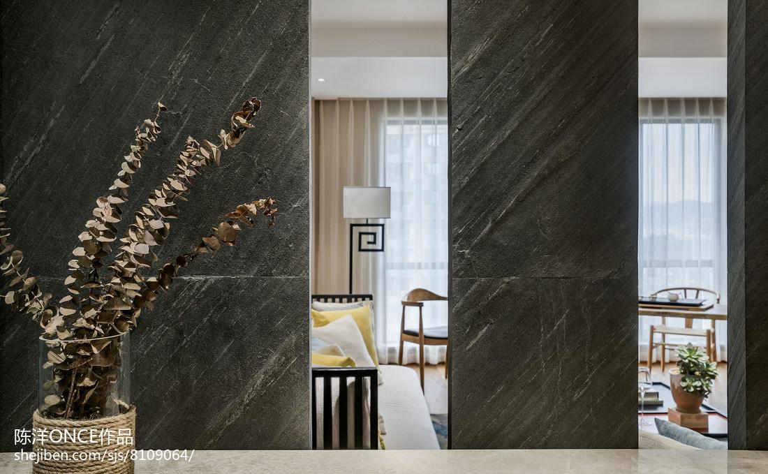 精选107平客厅三居现代装修实景图