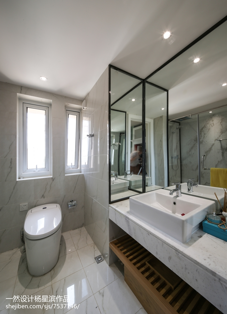 美式样板房卫浴设计实景图