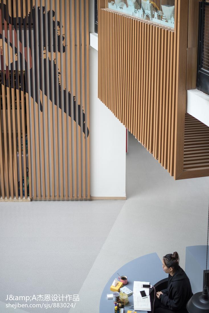 精美118平米复式客厅实景图片欣赏