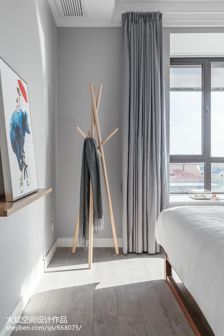 简洁114平现代三居装修设计图