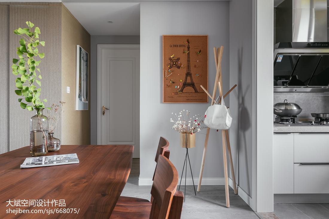 华丽101平现代三居设计美图
