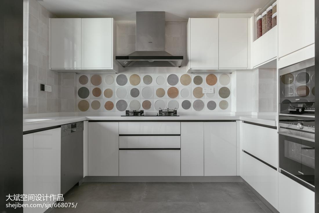 精美北欧四居厨房装修设计效果图